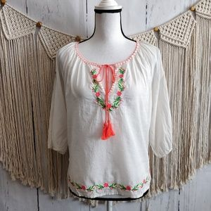 4/$25 Truth NYC Cream Embroidered Peasant Blouse M